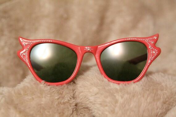 SALE - Cute 1950s Rhinestoned Sunglasses- Save 20%- Buy Now