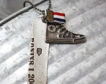 The mini snowboard necklace