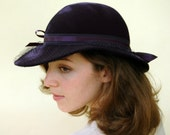 MOVING SALE 40% off Cupon Code- wildsale: Vintage Navy Wide-Brimmed Hat with Veil and Bows