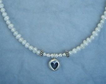 Smooth Round with Textured Heart Necklace NE81