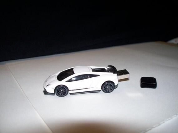 2GB Lamborghini Gallardo USB Flash Drive car White 2012 - Die-cast - Free cap, cable, apps.