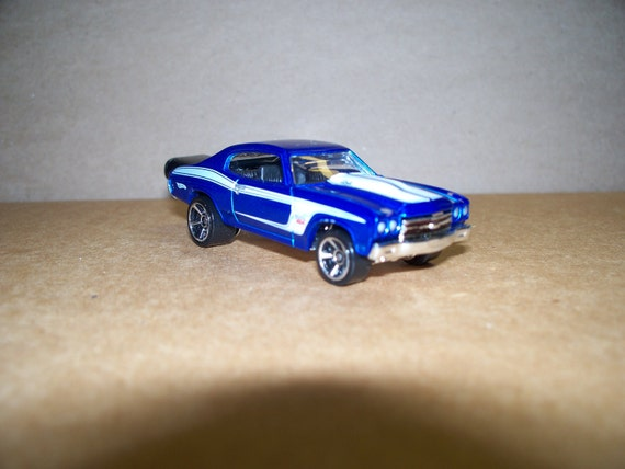 4GB Chevy Chevelle SS USB Flash Drive car - Blue 1970 - Free cap, cable, apps.