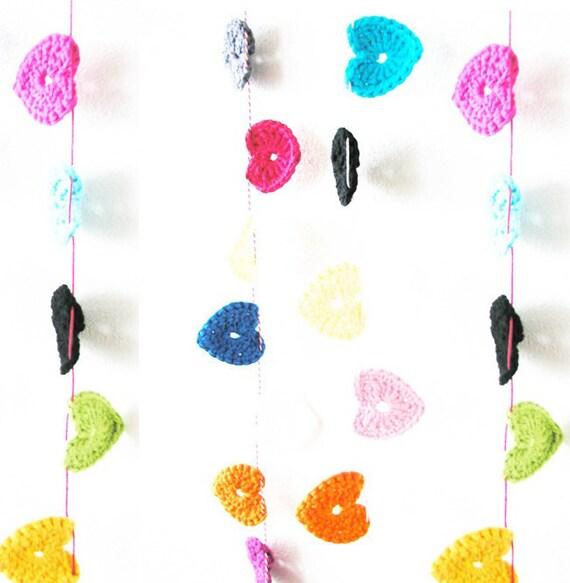 Crochet Hearts Garland S - 9 hearts