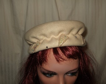 Vintage ladies hat ivory wool hat with pearl chic hat bonnet winter white wool hat