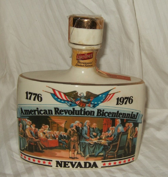 Vintage liquor decanter, 1776-1976 bicentennial   liquor bottle, Nevada, Early Times.  Cont.  US shipping free