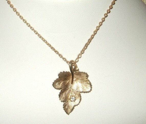 Vintage Avon Leaf pendant necklace with rhinestone. Teen necklace, ladies jewelry Free shipping Cont. US