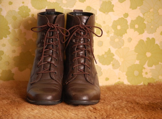 Vintage High Top Lace Up Boots Womens US 8