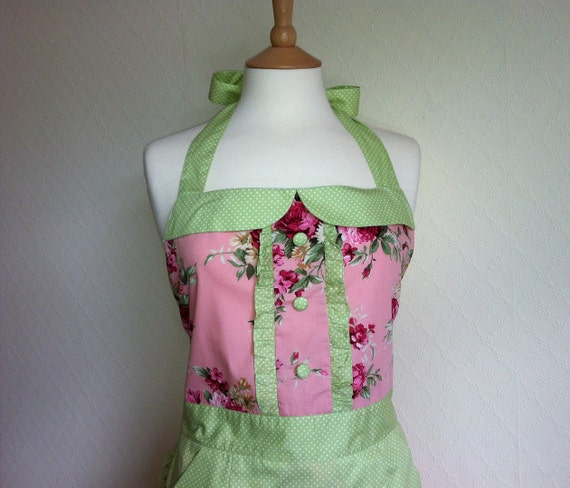 SALE 50% Off. Retro apron with collar, dark pink floral patterned on a pink fabric, 1950s vintage inspired fully lined.