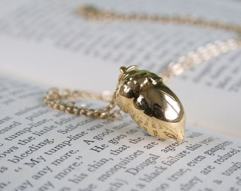 Real acorn gold pendant necklace with gold cable chain