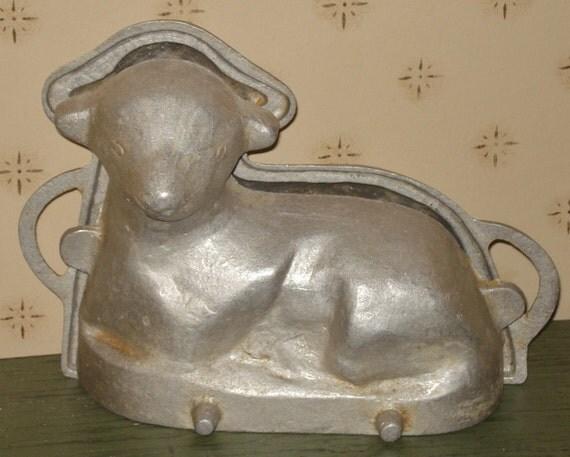 Antique Cast Iron Sheep Cake Mold Pan - Primitive - Farmhouse - Vintage