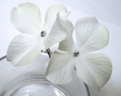 White Flower Hair Pins Hydrangea, Wedding Hairpins, Bridal Flower Hair Accessories
