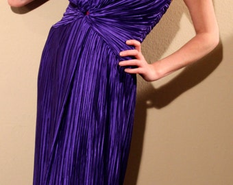 Old Hollywood Glam Fantastic Deep Purple Gathered Halter Evening Dress