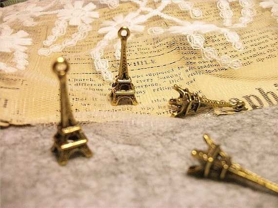 antique gold-classy-eiffel tower charms-20 pcs-F406