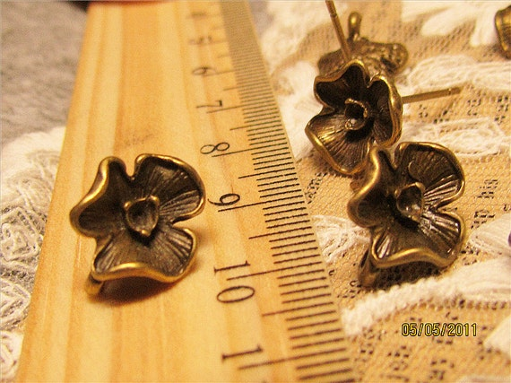 Come with posts-20 pcs floral earrings base settings