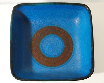 "Guido Gambone Lg. ""Bulls Eye"" Bowl"