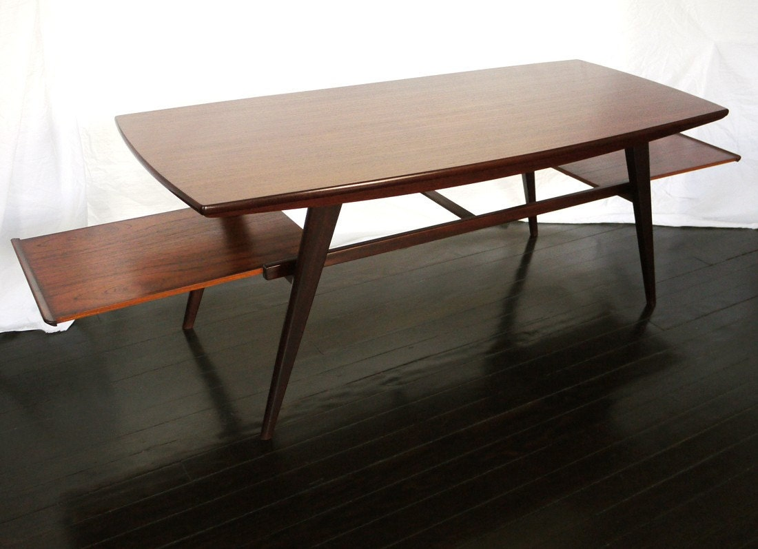 Sleek mid century 50 39 s coffee table Sleek coffee table