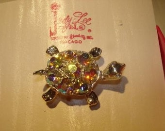 NIB Judy Lee Aurora Boralis Rhinestone Turtle Pin