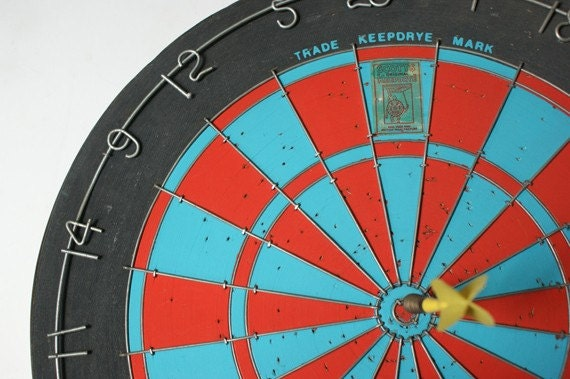 Vintage Dart board Scotts Keepdrye Original hand wired made in England whit Darts Blue and Red Rare Find
