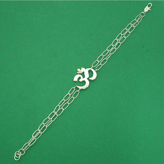 Silver Om Bracelet - Om Jewelry - Om Mani Padme Hum Bracelet - Ohm Aum Yoga Hindu Chakra Meditation Jewelry - Gift for Yogi