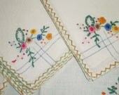 SALE 4 embroidered bouquet napkins - great shabby chic decorating items