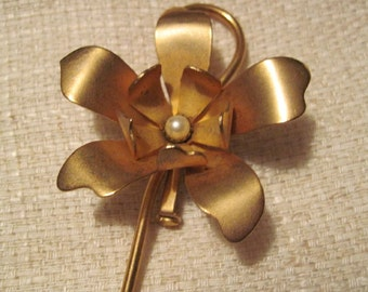 Vintage Large Gold Flower Brooch