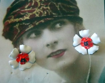 Vintage White Enamel Flower Clip Earrings