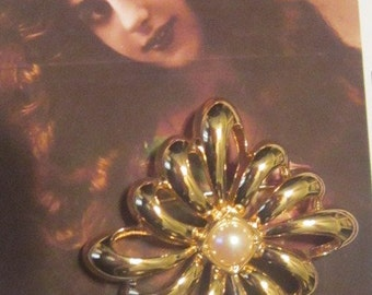 Vintage Gold Brooch With Pearl Accent