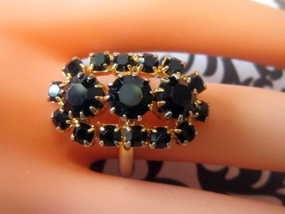 Vintage Silver and Black Rhinestone Ring - Size 6.75 - R-103