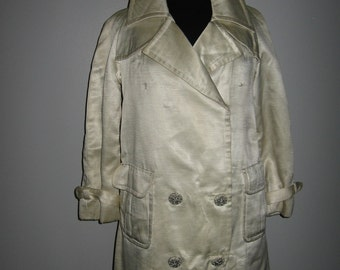 White shiny double breasted short trenchcoat