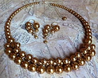 Gold Pearls Cluster Necklace Set - Gold Glam