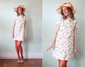 vintage 1960's white floral print mini dress with collar / size s