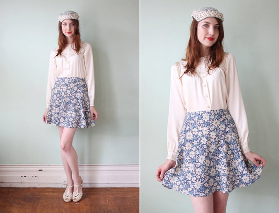 vintage 1990's blue & white floral a line mini skirt /