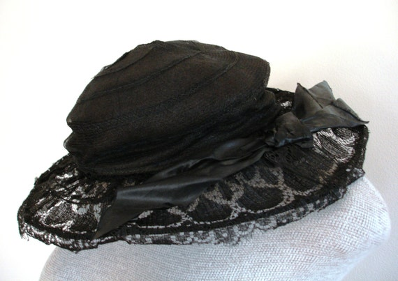 Vintage Edwardian Black Lace & Horsehair Wired Hat with Philipsborn Label