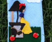 Snow White Zippered Pouch