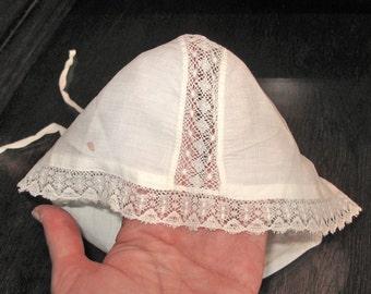 Antique Baby Bonnet with laces - Vintage baby bonnet - Baby cap - Laces bonnet