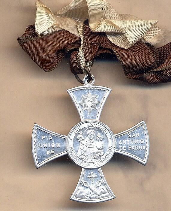 Antique Medallion  from 1892 - St. Anthony - San Antonio de Padua
