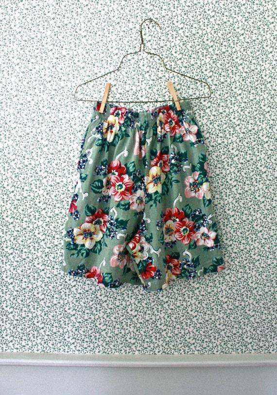 high waist mint floral shorts / 1980s super high rise green shorts S