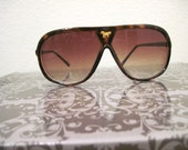Vintage Tortoise and Bronze Horse Aviator Sunglasses Unisex
