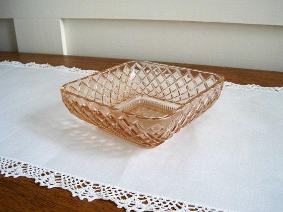 Vintage Pink Depression Glass Bowl - Diamond Lattice - Cottage Chic