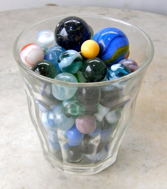 81 Vintage Glass Marbles Beautiful Multicolored 3 Different Sizes