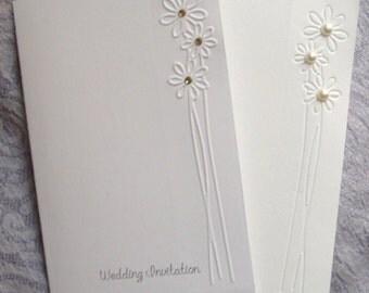 Elegant Daisy Flower Embossed Wedding Invitations - Sets of 50