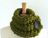 Chunky Knit Lemongrass Green Short Cowl Scarf with Large Black Button