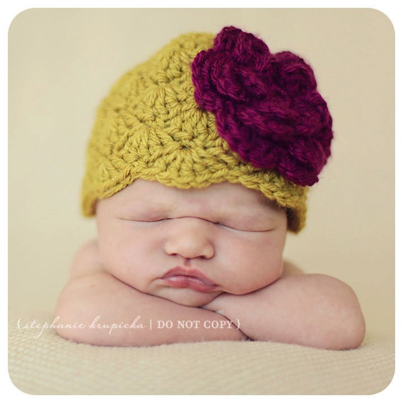 Newborn Baby Girl Vintage Inspired Flapper Baby Hat in Green with Purple Flower --READY TO SHIP