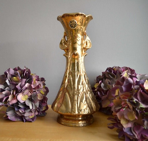 savoy weeping gold vase 24 karat gold by vintageexpedition on etsy. Black Bedroom Furniture Sets. Home Design Ideas