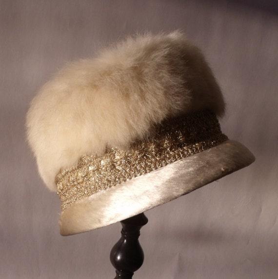 SALE 1960s Jackie O Real Fur &  Brushed Clothe Beaver Felt hat  Cream Ivory Size: Med Jean Nicol