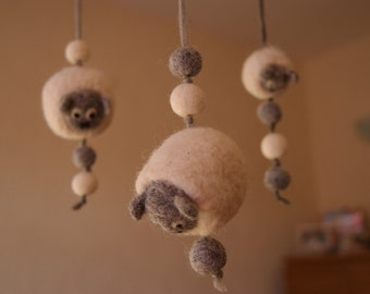 Baby mobile, nursery decoration, natural toys, natural wool toys, nursery mobile, sheep mobile, cot mobile