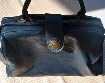 VINTAGE Navy faux Leather CAPEZIO Handbag