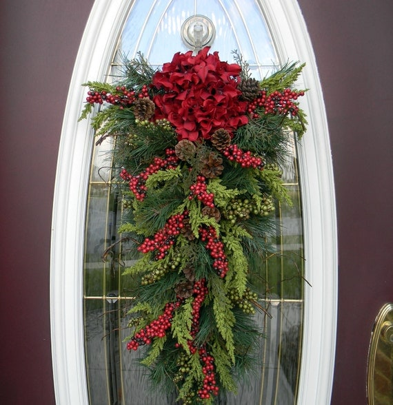Christmas Teardrop Swag Door Decor..Seasons