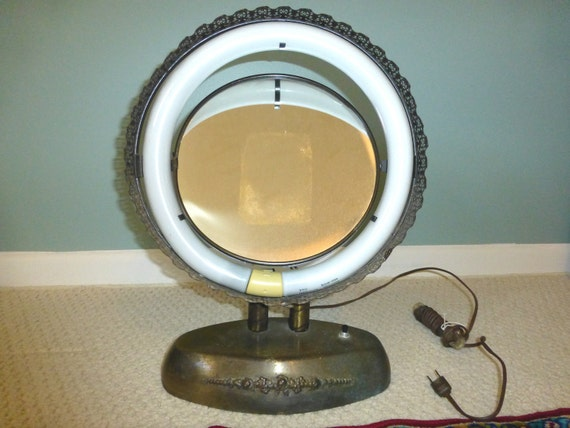 Vintage Casco Lighted Makeup Mirror From The 1950 S