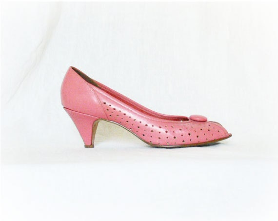 Vintage 80s Pumps Shoes 7.5 Pink Peep Toe Button Perforated